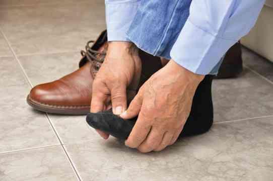 ساخت کفش طبی پوشیدن کفش طبی ارتوپدی و مراکز ساخت کفش طبی در تهران-compressed