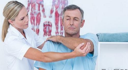 مراجعه به پزشک جهت درمان آرتروز آرنج -min