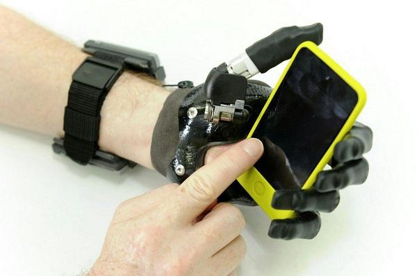 پروتز دست الکتریکی